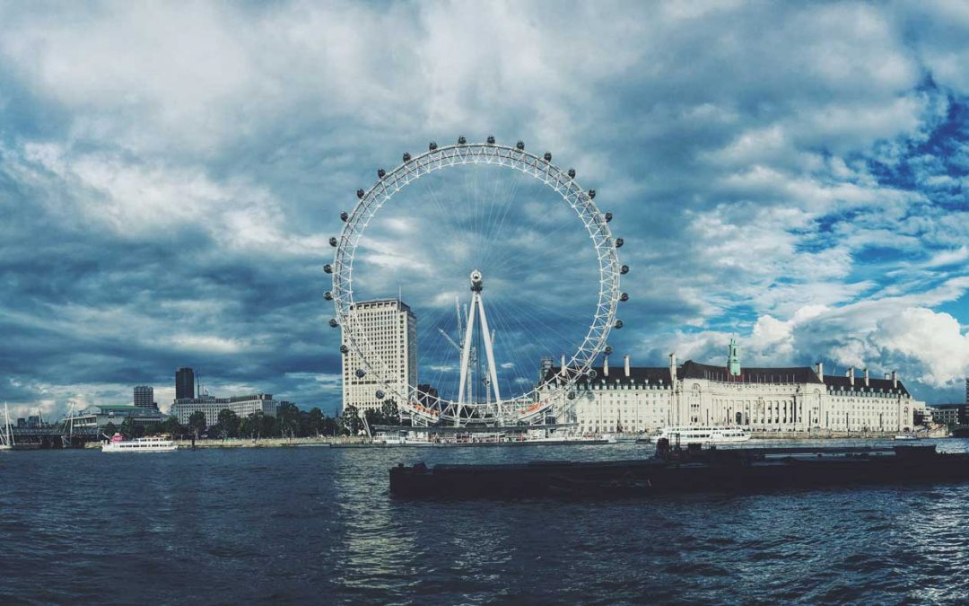 See London attractions on a Thames River Cruise