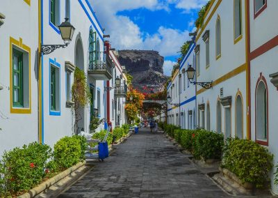 A colourful street in Gran Canaria