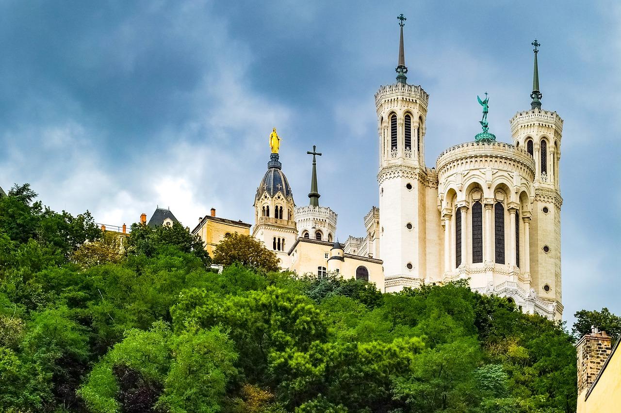 The the ornate Basilique Notre Dame de Fourvière, Lyon, Frrance. Photo by Djedj via Pixabay.