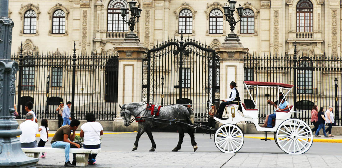 Horse and carriage in front of Lima Palace, Peru, South America