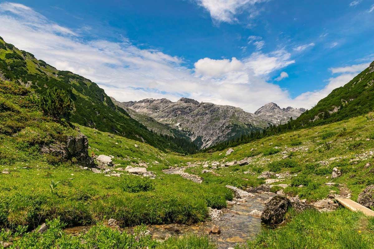 Mountain trail, near Lech, in the Arlberg, Austria